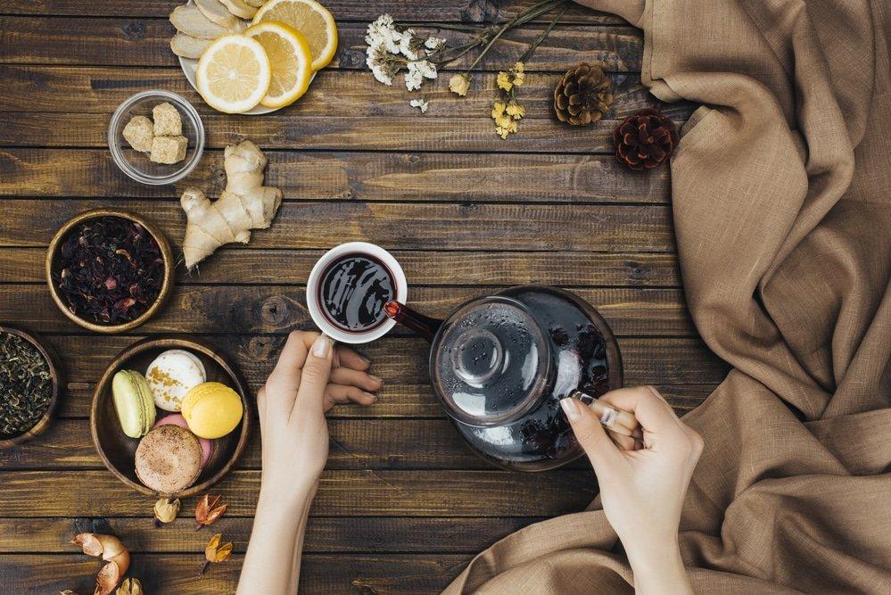 чайник с лечебными травами